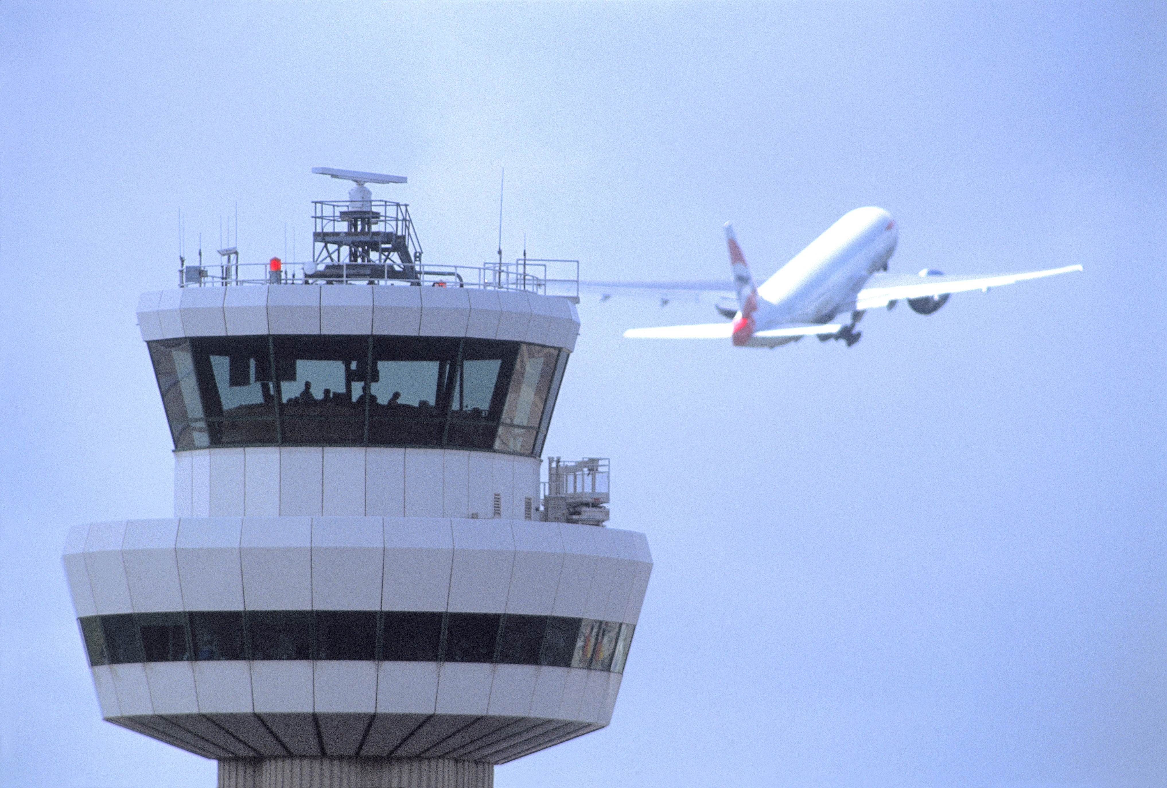 control-tower-with-aircraft-11111